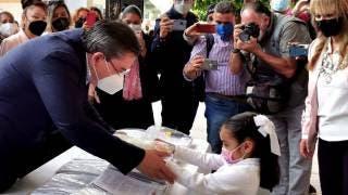 Entregan útiles escolares gratuitos a alumnos de Jiutepec 2