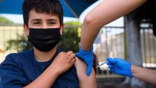 Comienzan a vacunar a menores de 12 a 17 años con Pfizer. Checa dónde:  2