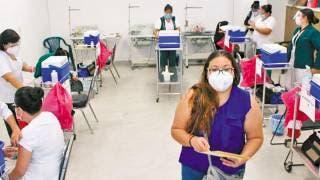 Avanza la vacunación entre personal del IMSS Morelos 2