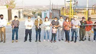 Pavimentan calle en colonia Las Paracas, de Yautepec 2