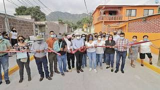 Vecinos de Lázaro Cárdenas en Yautepec estrenan pavimento 2
