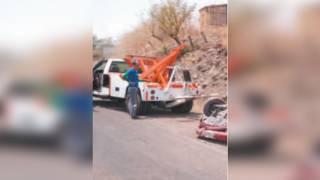 Vuelca un auto en Zacatepec 2