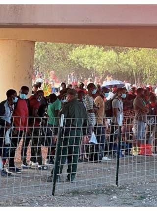 Debido a cruce en masa de haitiano, E.U. cierra puente fronterizo