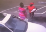 Muere bebé  al caer de los brazos de su madre en una pelea